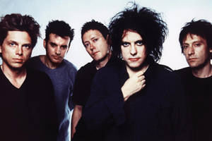 Cure (the) (The Cure, Robert Smith, Laurence Tolhurst, Lol Tolhurst, Michael Dempsey, Simon Gallup Porl Thompson, Boris Williams, Andy Anderson, Phil Thornalley, Matthieu Hartley)